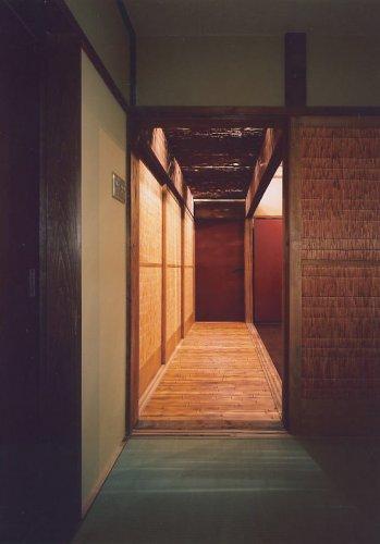 摂津市B邸玄関からの見通し